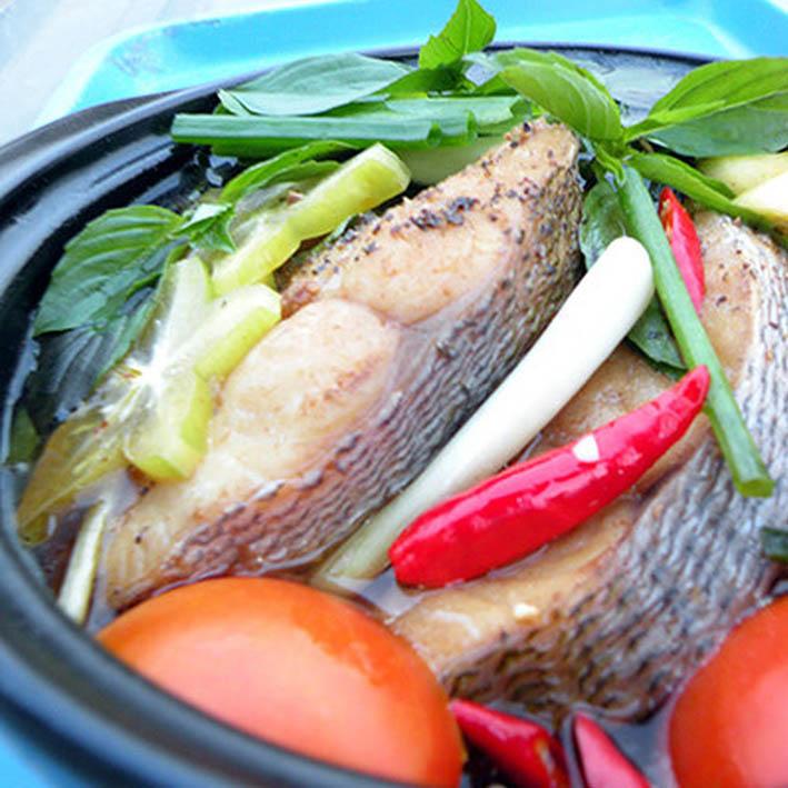Cá trầm bì nấu canh chua